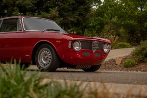 بررسی Alfa Romeo Giulia Sprint GTV